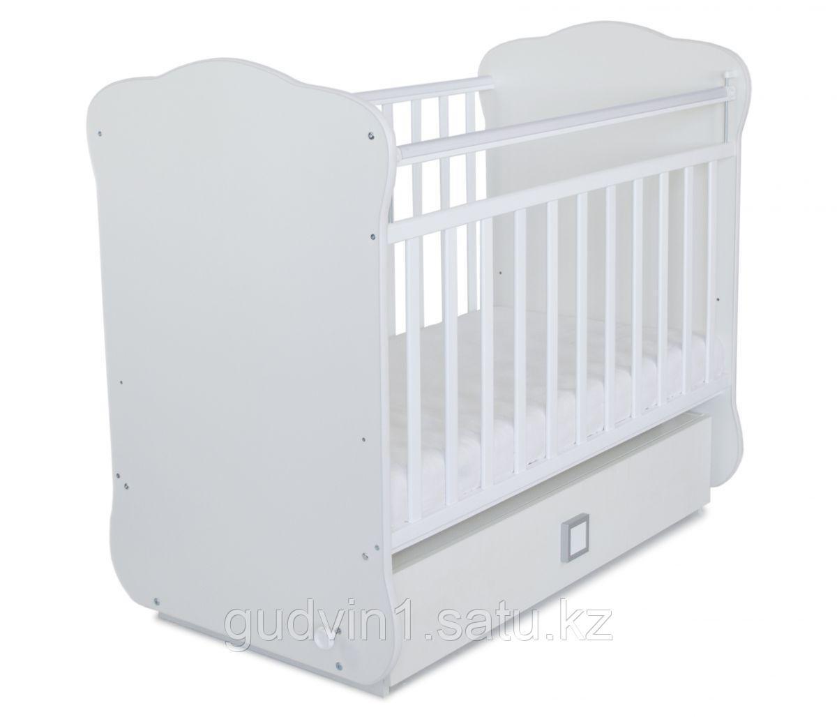 Детская кроватка с поперечным маятником и ящиком СКВ-4(цвет белый) 410001