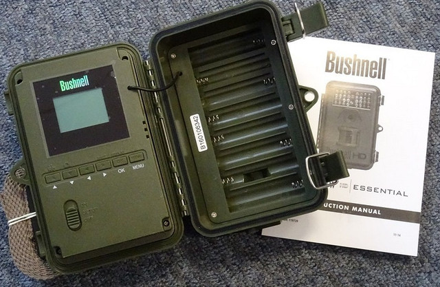 Фотоловушка с записью по датчику движения Bushnell 12MP Natureview Cam Essential HD (119739)