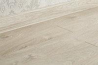 Ламинат Kronopol Flooring LINEA Plus 3034 Дуб Феррара 32класс/8мм, фаска (узкая доска), фото 1