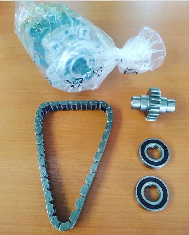 Гидравлические насосы, цепи, шестерни, подшипники на вилочный погрузчик TOYOTA