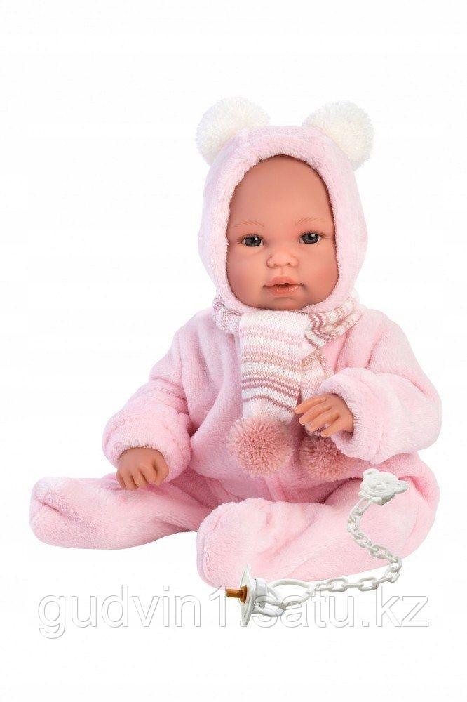 LLORENS: Пупс 36 см в розовой шапочке с пумпонами, с одеялом-рюкзачком 63634