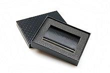 Визитница  (94x61x7mm, металлическая с тиснением казахского орнамента, черная, коричневая)