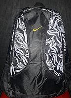 Рюкзак Nike с листьями