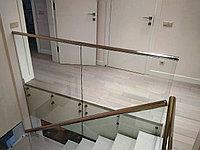 Перила на точечных креплениях из стекла