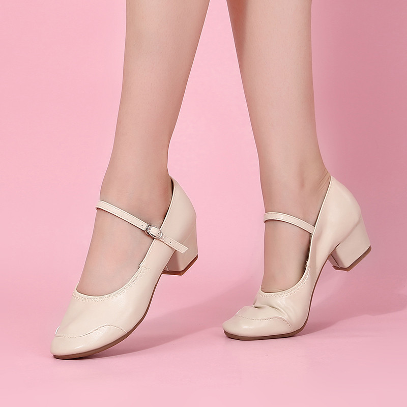 Туфли женские для народных танцев на квадратном каблуке (кожзам). Цвет: бежевый . Размеры: 36-41 - фото 4