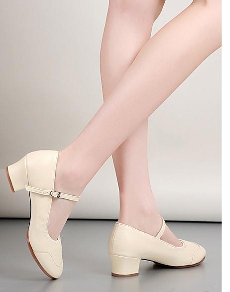 Туфли женские для народных танцев на квадратном каблуке (кожзам). Цвет: бежевый . Размеры: 36-41 - фото 5