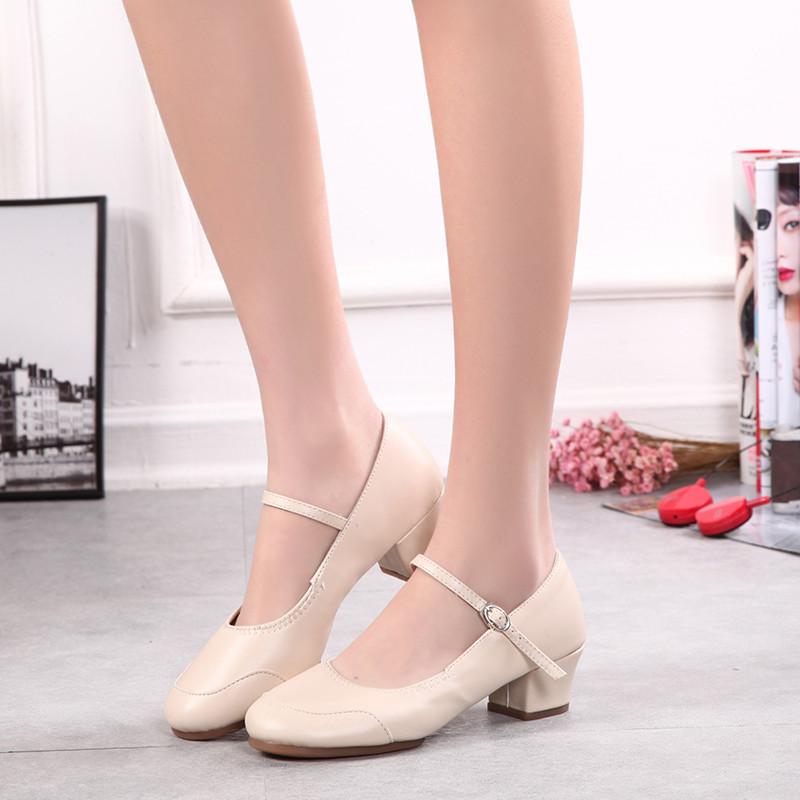 Туфли женские для народных танцев на квадратном каблуке (кожзам). Цвет: бежевый . Размеры: 36-41 - фото 6