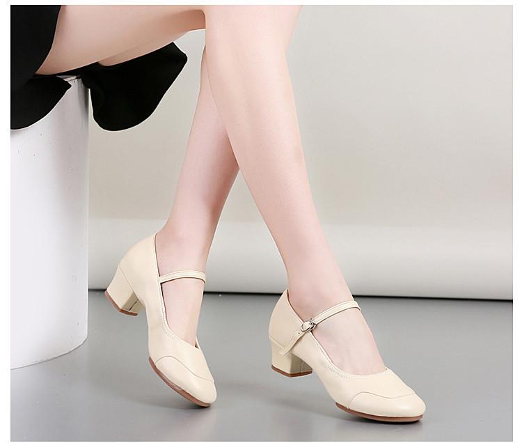 Туфли женские для народных танцев на квадратном каблуке (кожзам). Цвет: бежевый . Размеры: 36-41 - фото 7