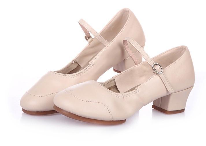 Туфли женские для народных танцев на квадратном каблуке (кожзам). Цвет: бежевый . Размеры: 36-41 - фото 8