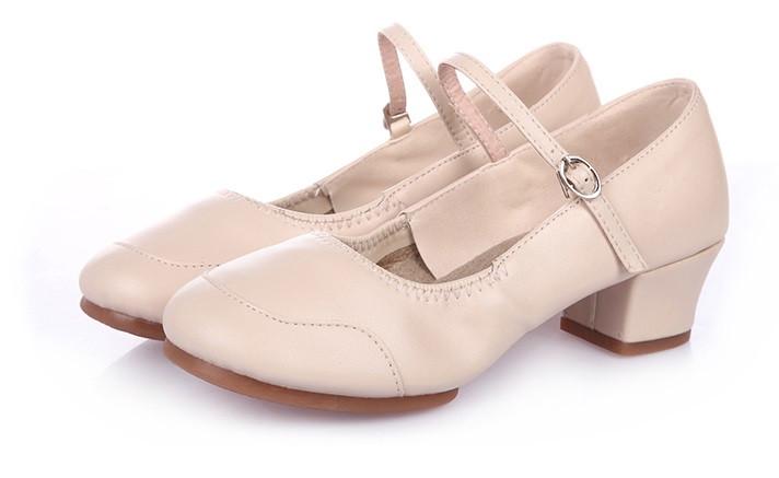 Туфли женские для народных танцев на квадратном каблуке (кожзам). Цвет: бежевый . Размеры: 36-41 - фото 9