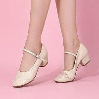 Туфли женские для народных танцев на квадратном каблуке (кожзам). Цвет: бежевый . Размеры: 36-41 35