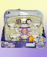 Игрушечный набор чайного сервиза для девочек.