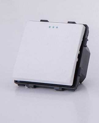 Одноклавишный модуль-выключатель, Белый