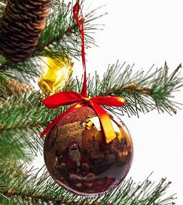 Набор елочных шаров с рисунком «Дед Мороз у камина», 7 предметов