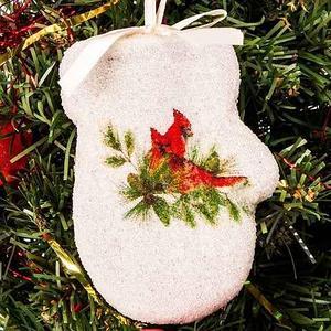Набор новогодних ёлочных игрушек «Имбирные пряники» (Варежки)