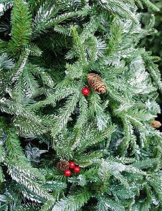Елка новогодняя «Триумф», заснеженная с шишками и рябиной (300 см), фото 2