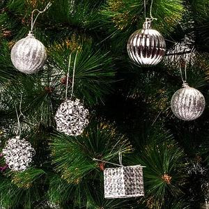 Набор елочных игрушек «Новогоднее изящество» в подарочной упаковке [35 шт] (Серебряный)