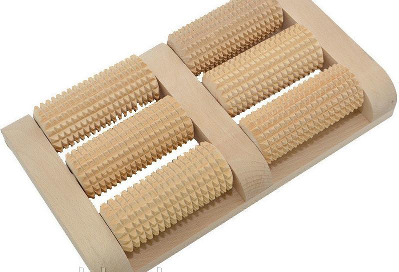Массажер для ног деревянный из колючей березы