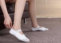 Балетки для танцев и гимнастики. Цвет : белый. Размеры: 24-40
