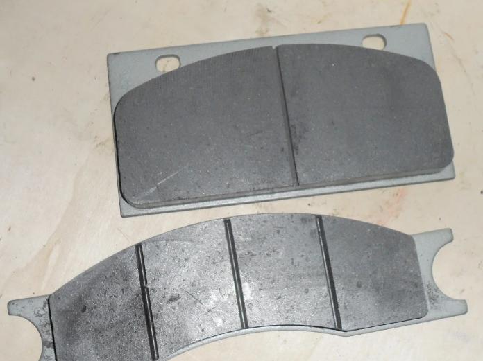 Тормозные колодки на погрузчики ZL50G XCMG HOWO SEM Petronik Foton TOTA ZL30G LW541 XZ636 XZ656 XG955 XG932