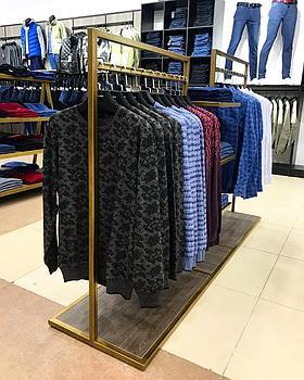 Вешало-стойка для одежды двойной с центральными полочками