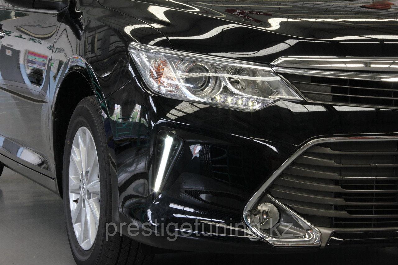 Дневные ходовые огни на Toyota Camry V55 2014-17 дизайн (Полоска)
