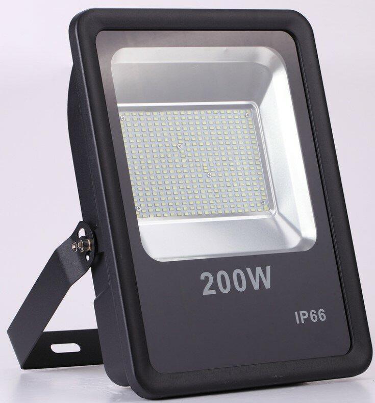 Прожектор на 200Вт