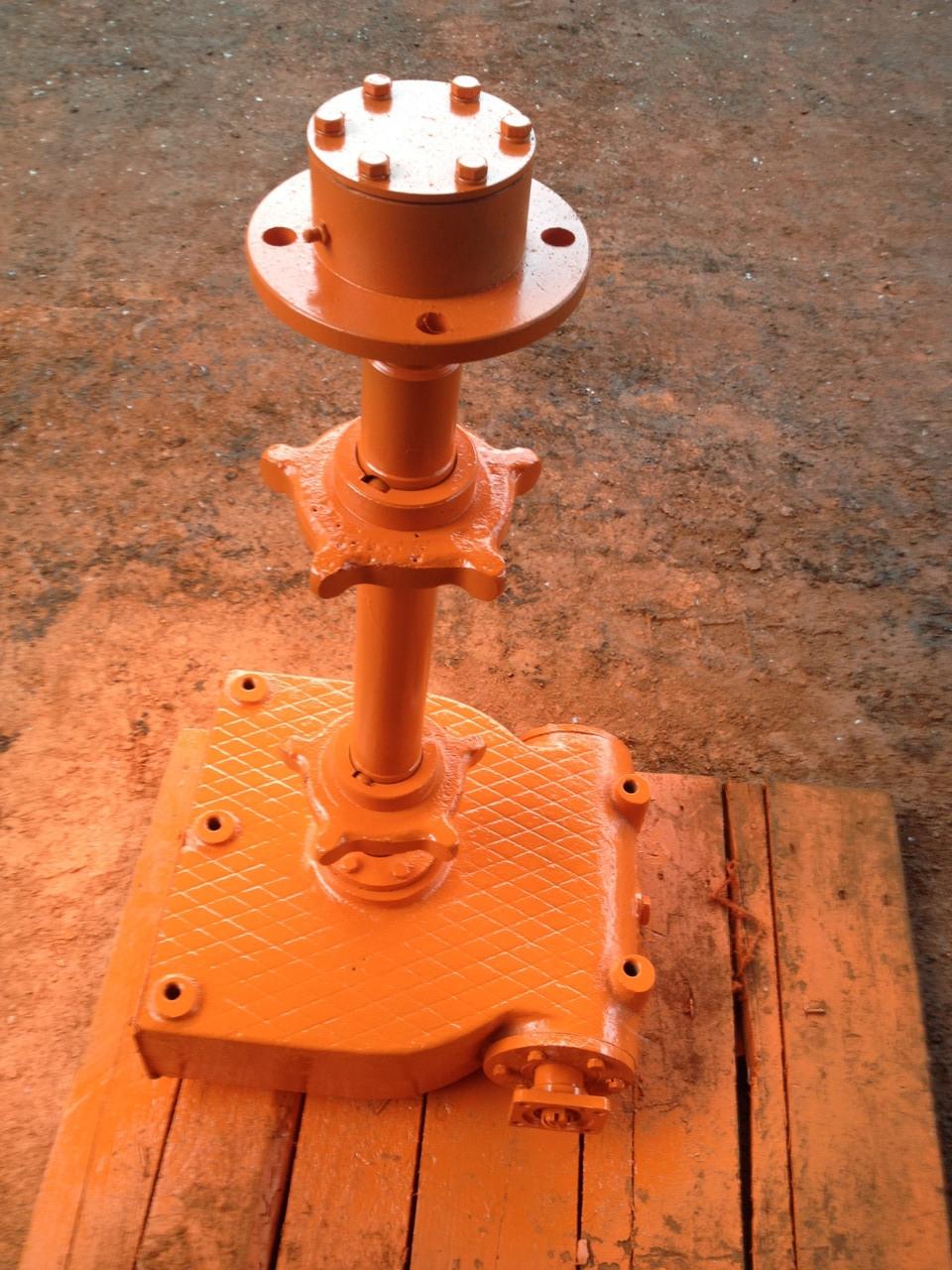 КДМ-130Б-31.20.000 Редуктор привода тр-ра (привод по кардан, фланец)