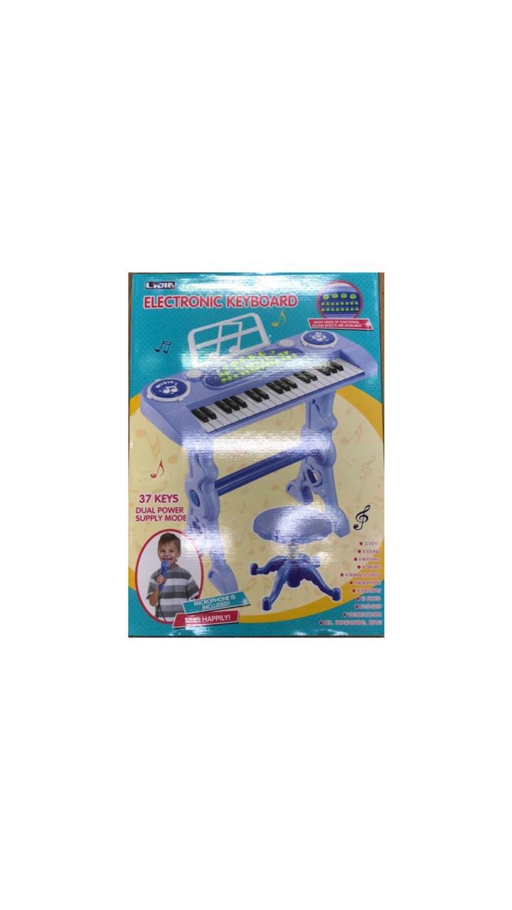 Пианино со стулом