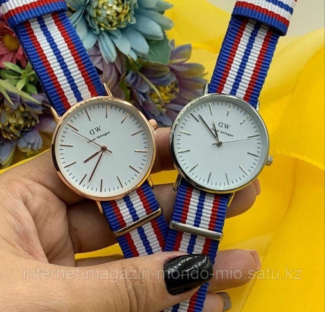 Стильные часы DW