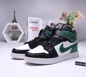Зимние кроссовки  Nike Air Jordan 1 Retro с мехом  (40-44 )