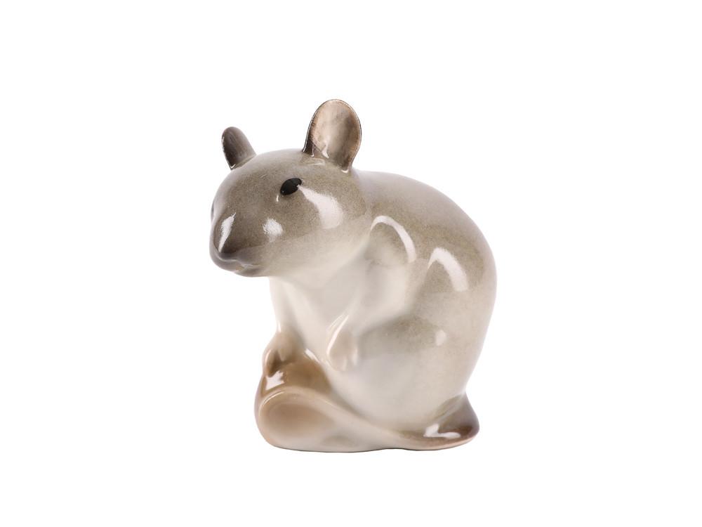 Фарфоровая статуэтка Мышь с орехом. Императорский фарфор
