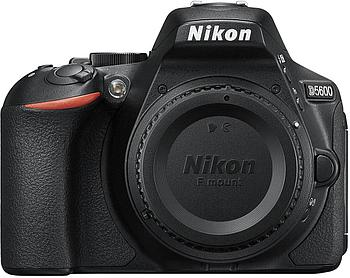 Фотоаппарат зеркальный Nikon D5600 Kit 18-105VR