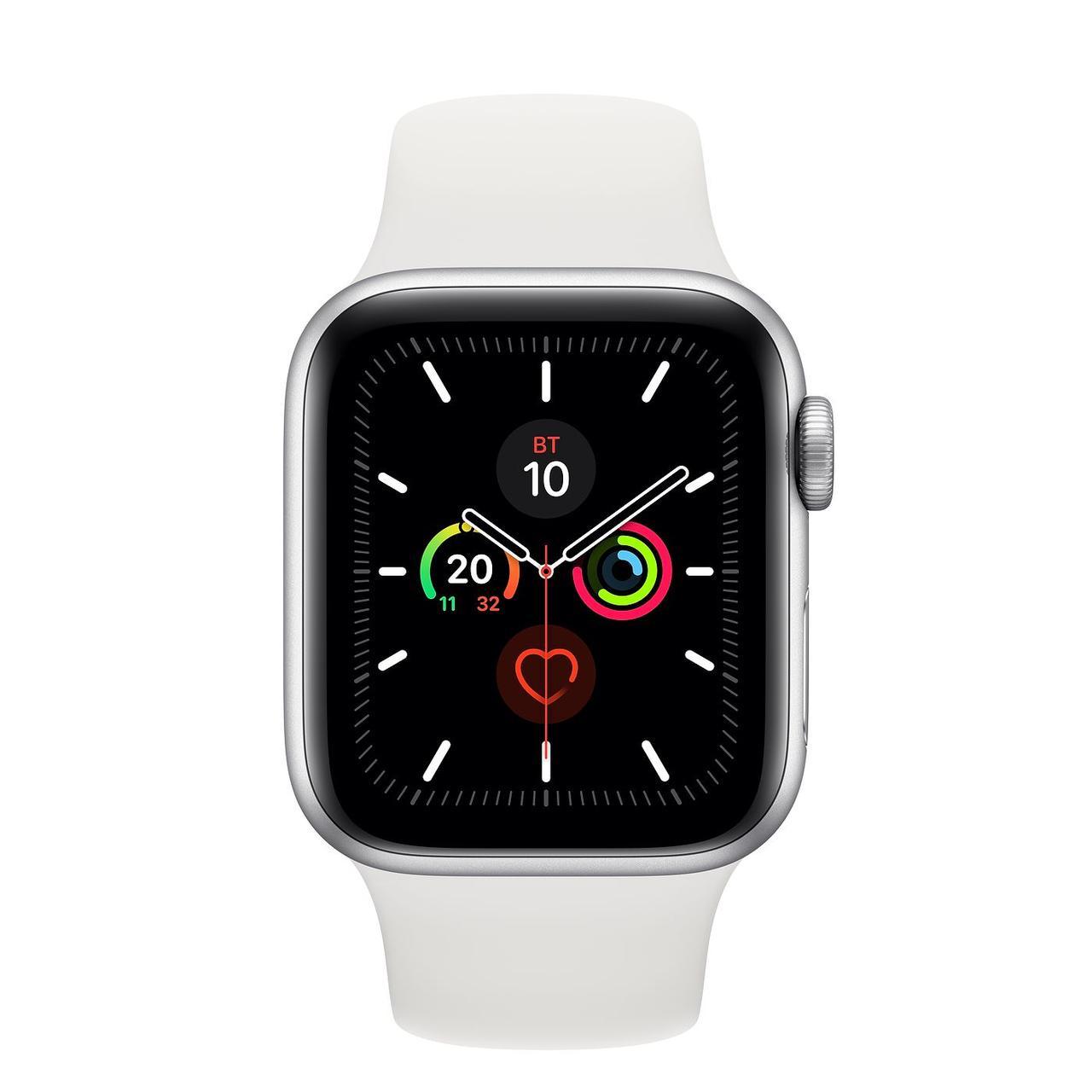 Apple Watch Series 5, 40 мм, корпус из алюминия серебристого цвета, спортивный браслет белого цвета