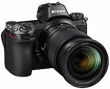 Nikon Z6 Kit (Nikkor Z 24-70mm f/4 S)