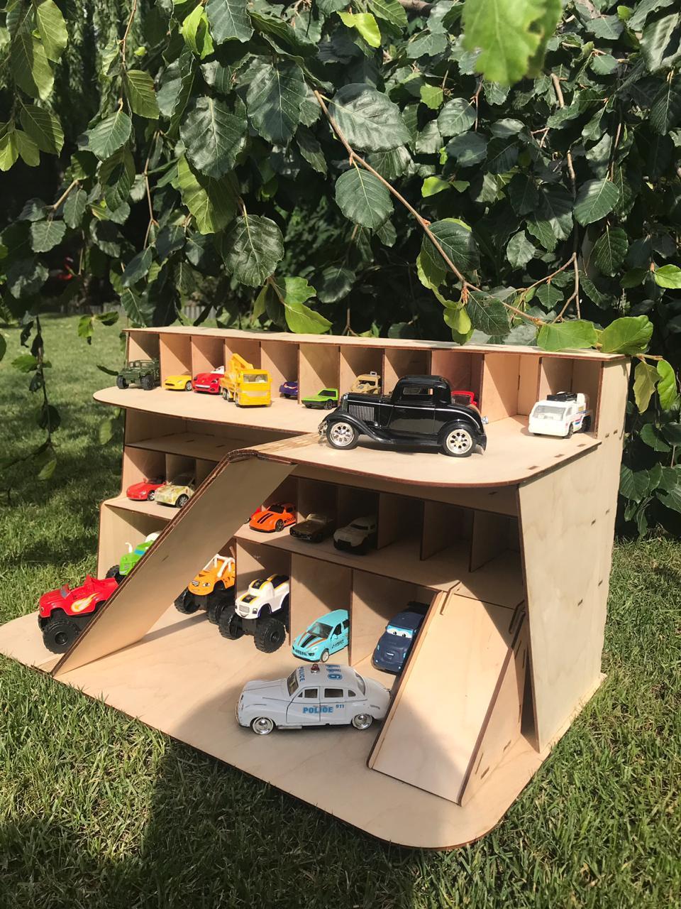 Деревянная парковка для настоящих пацанов. Hand made. Отличное качество