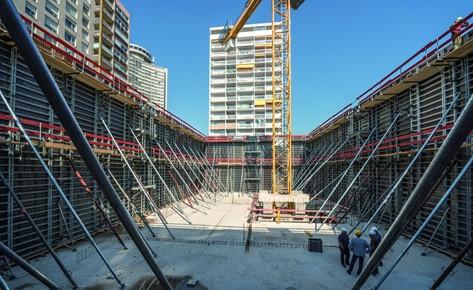 опалубки, триноги, телескопические стойки при строительстве зданий