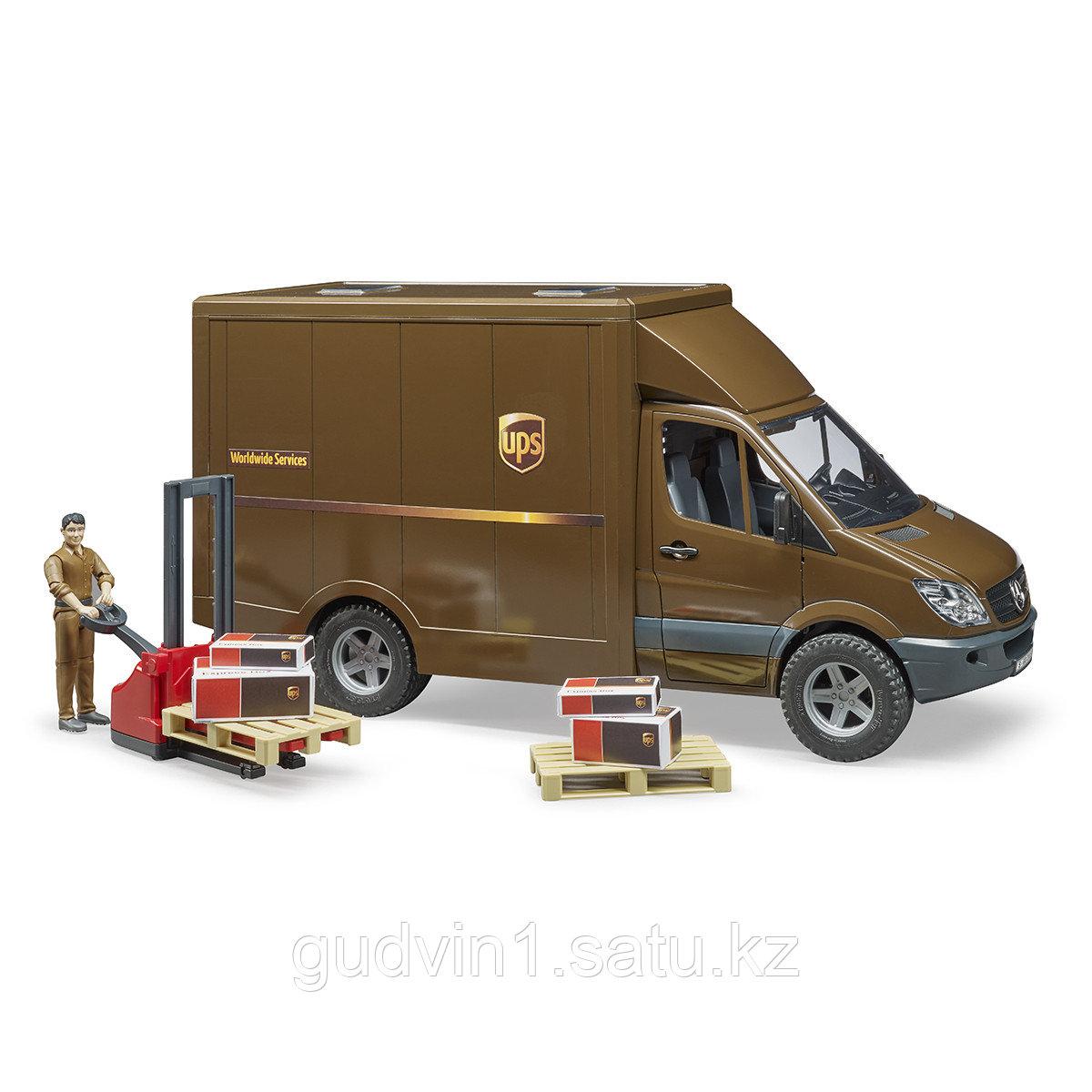 Mercedes-Benz Sprinter фургон UPS с фигуркой, погрузчиком и аксессуарами Bruder 02-538