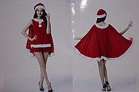 Красный костюм Санта с шортиками и накидкой