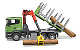 Лесовоз Scania с портативным краном и брёвнами Bruder 03-524, фото 6