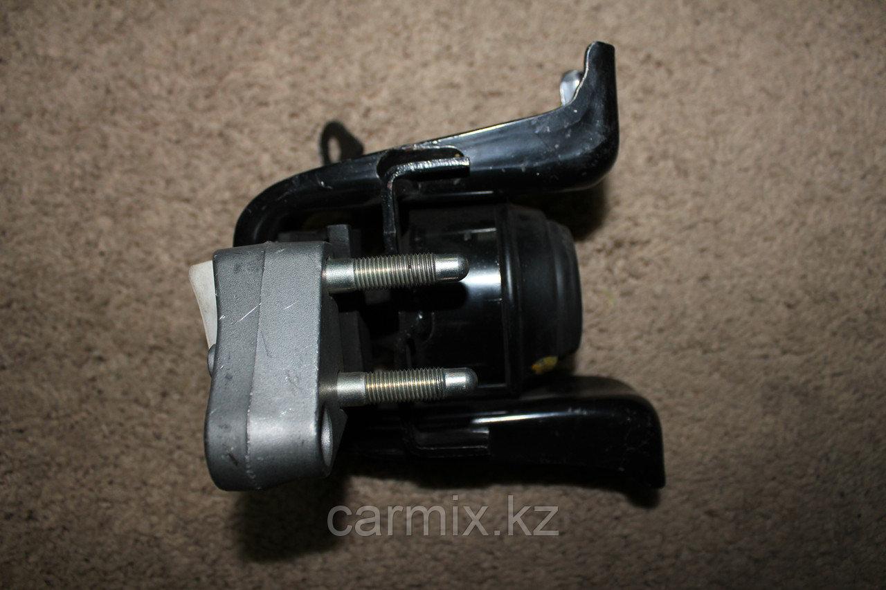 Подушка двигателя COROLLA ZZE121