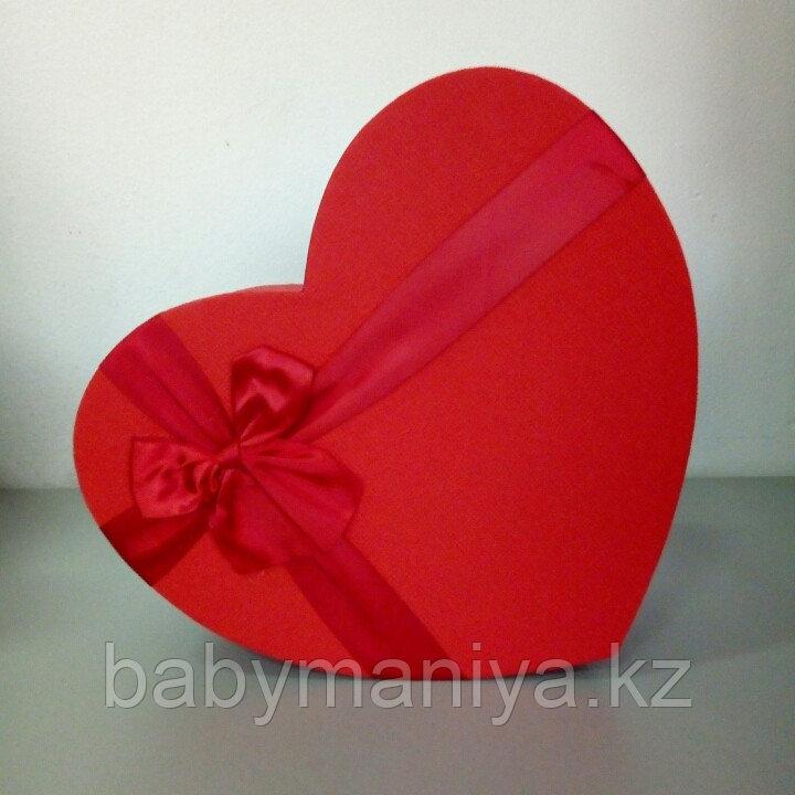 Подарочные коробочки в форме сердца 30*24 см