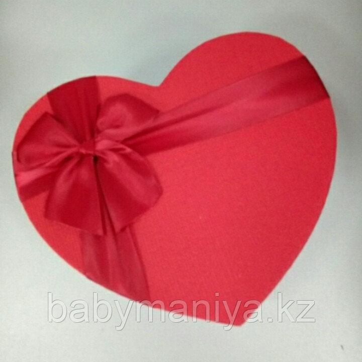 Подарочные коробочки в форме сердца 22*18 см