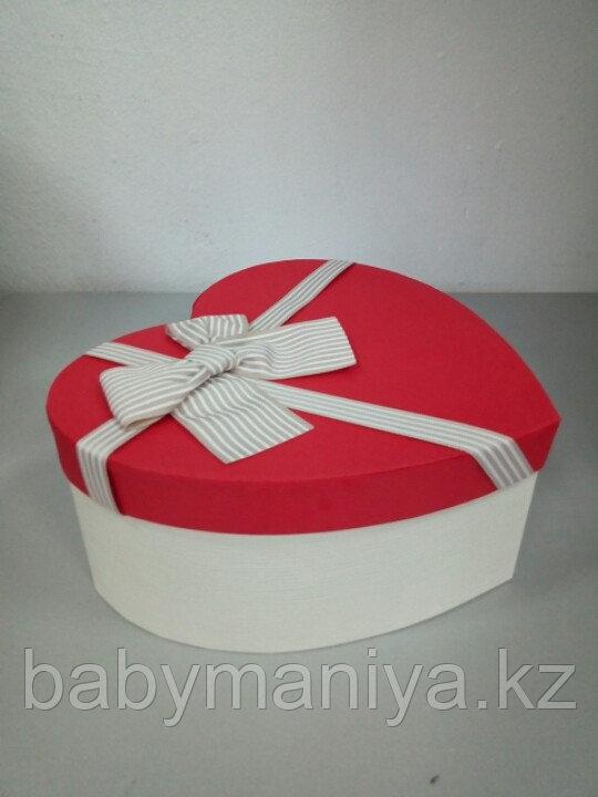 Подарочные коробочки в форме сердца 21*19 см