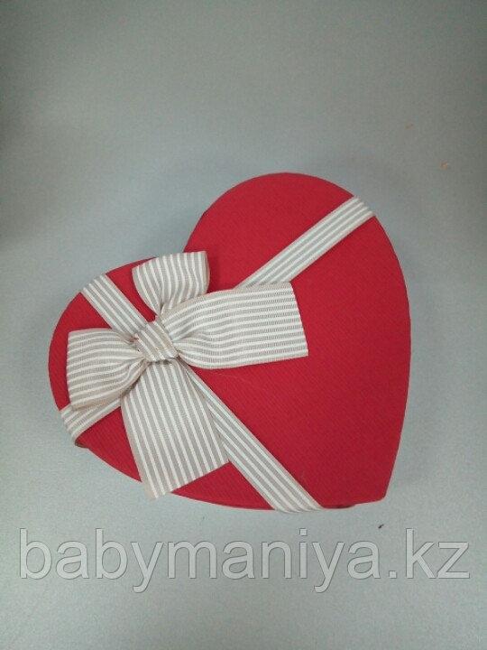 Подарочные коробочки в форме сердца 18*16 см