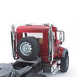 Тягач с прицепом–платформой MACK с колёсным экскаватором–погрузчиком JCB 4CX Bruder 02-813, фото 3