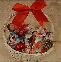 Подарки на новый год, подарки в ящиках, ящики из дерева, наборы, игрушки