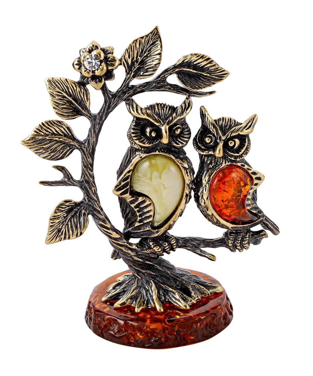 Фигурка Совушки подружки на дереве. Подставка из янтаря. Ручная работа