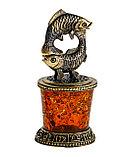Знак зодиака Рыбы. Подставка из янтаря., фото 2