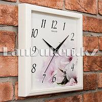 Настенные часы Салют цветы,белая рамка